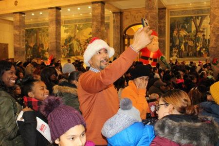 BP Diaz Hosts Annual Christmas Tree Lighting