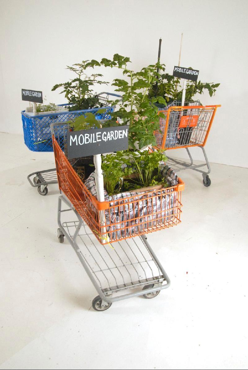 Tattfoo Tan, S.O.S.: Mobile Garden, 2009, living sculptures.