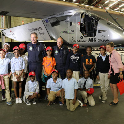 Hundreds Of NYC Students Meet Clean-Tech Aviation Pioneers & Tour Plane