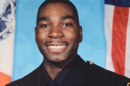 Bronx Policeman Dies Of Stroke At Station