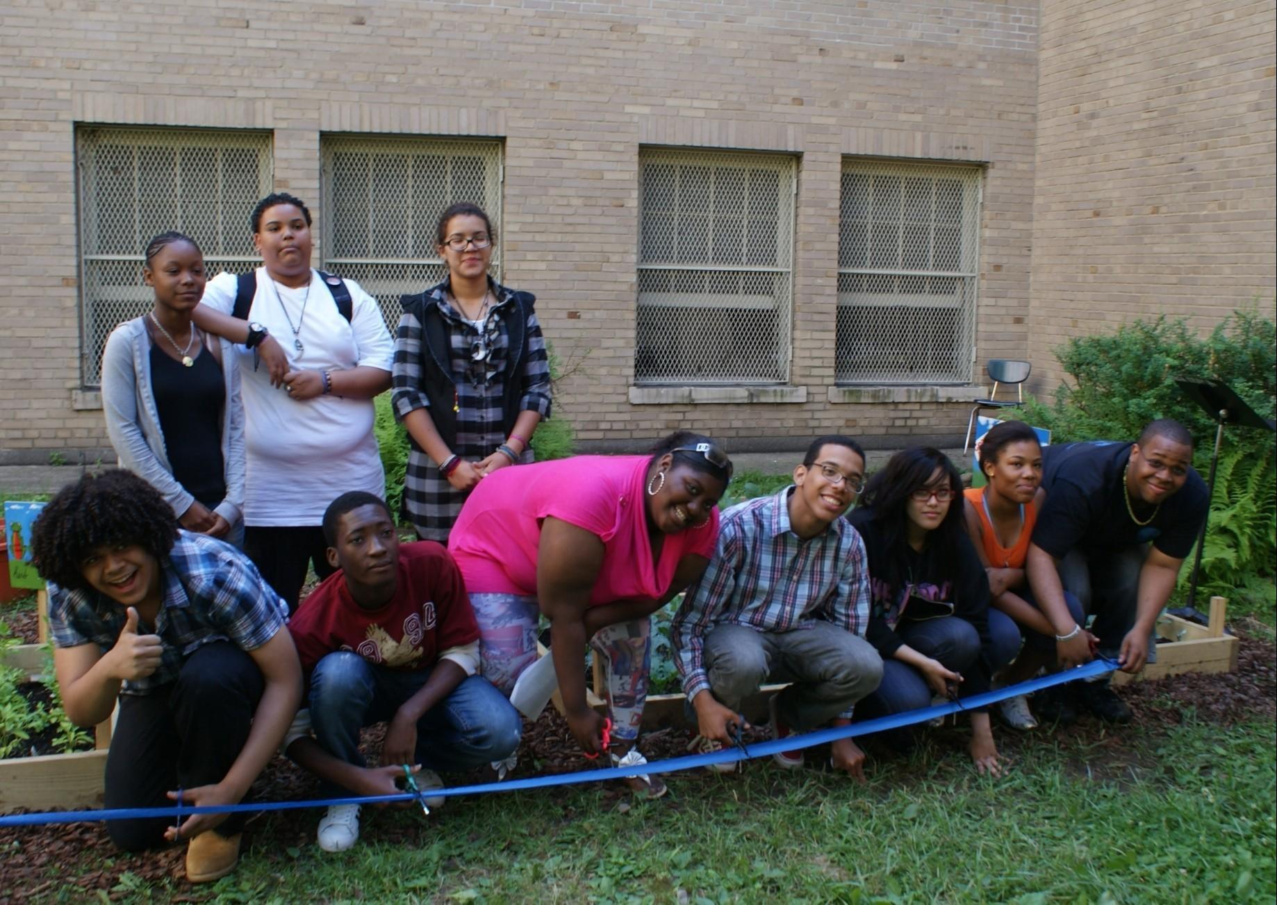 Fordham Students Garden 4 Good