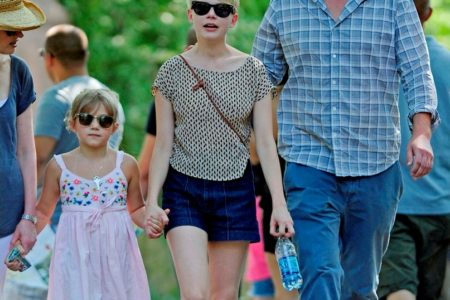 Michelle Williams & Jason Segel At Bronx Zoo