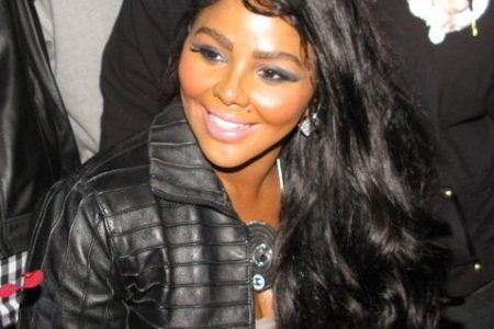 Lil' Kim & Friends Perform At Bronx Paradise Theater