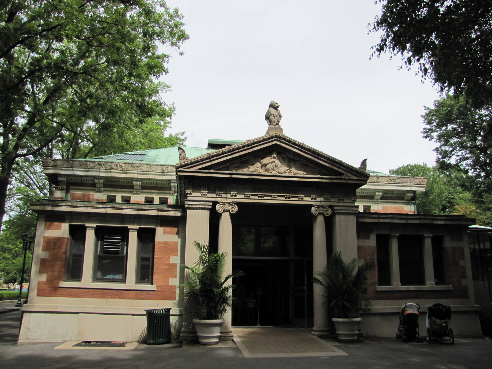 Bronx Zoo's Monkey House