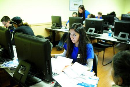 Students Help Bronx Residents Navigate Tax Season