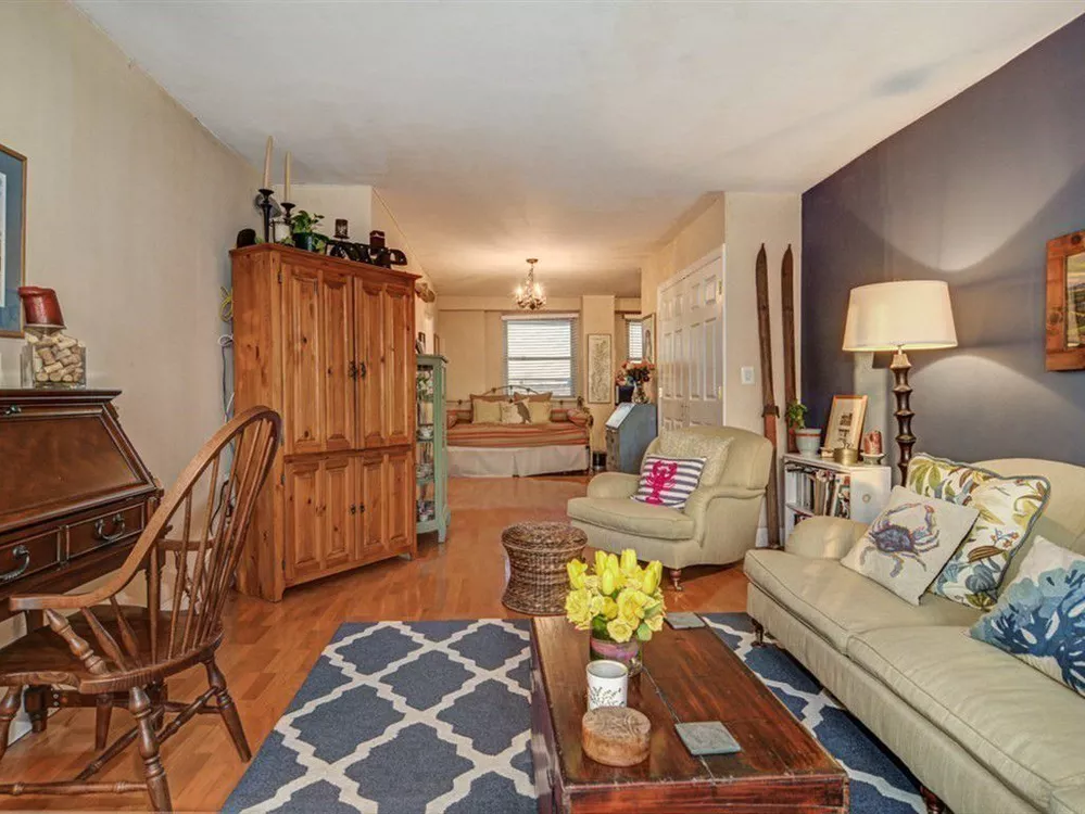 "Bronx Co-Op Offers ""Country Club Living"" For A Mere $240K"