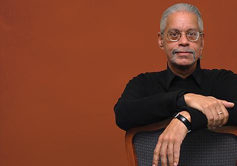 Bobby González